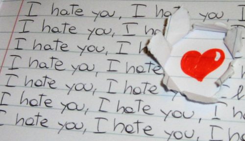 http://ciurva.blogas.lt/files/2011/01/hate-you.jpg